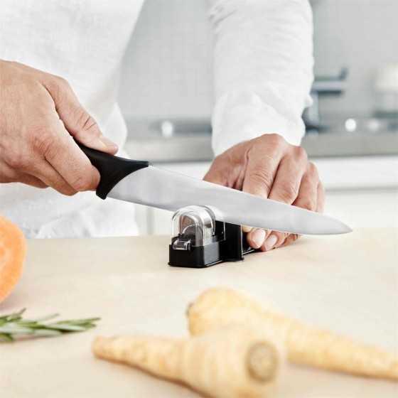 Aiguiseur de couteaux Essential FISKARS